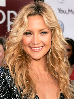 kate-hudson-beachy-waves